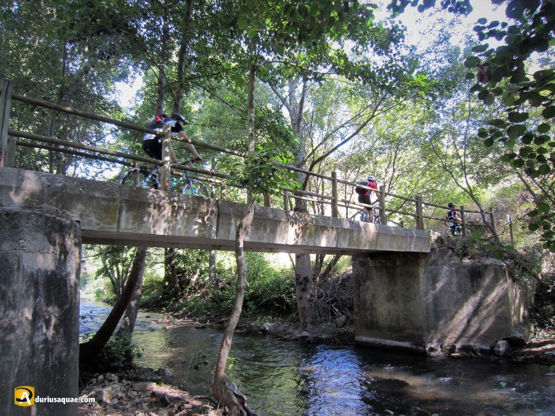 """Por el """"nuevo"""" puente de Talcano"""