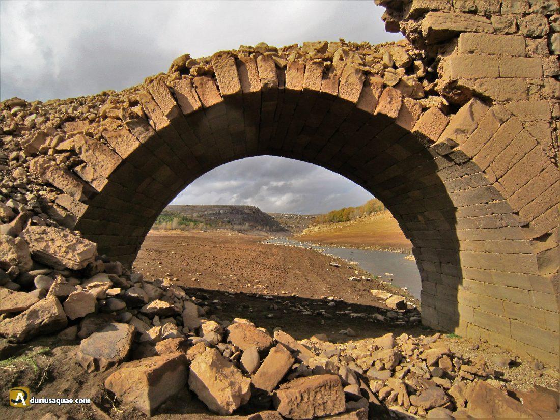 ¿nadie necesita un puente medieval?