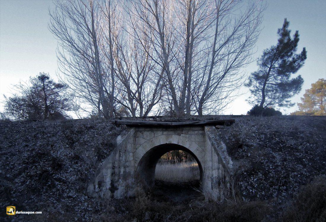 Durius Aquae: Restos del ferrocarril Valladolid-Ariza sobre el Valcorba