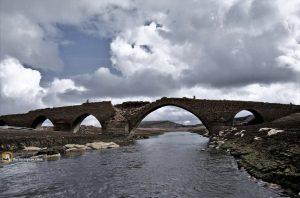 Puente medieval de Villanueva del río (ahora bajo el embalse)