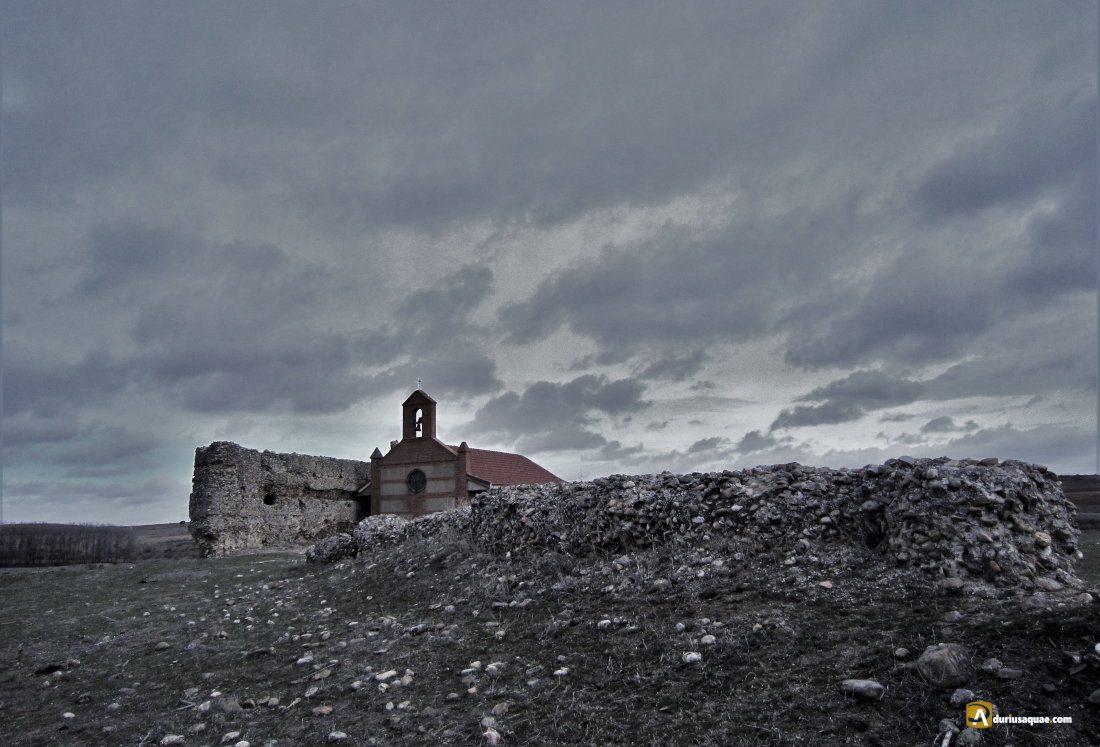 Durius Aquae: Ermita de San Miguelito al abrigo del viejo castillos del Eván de Abajo