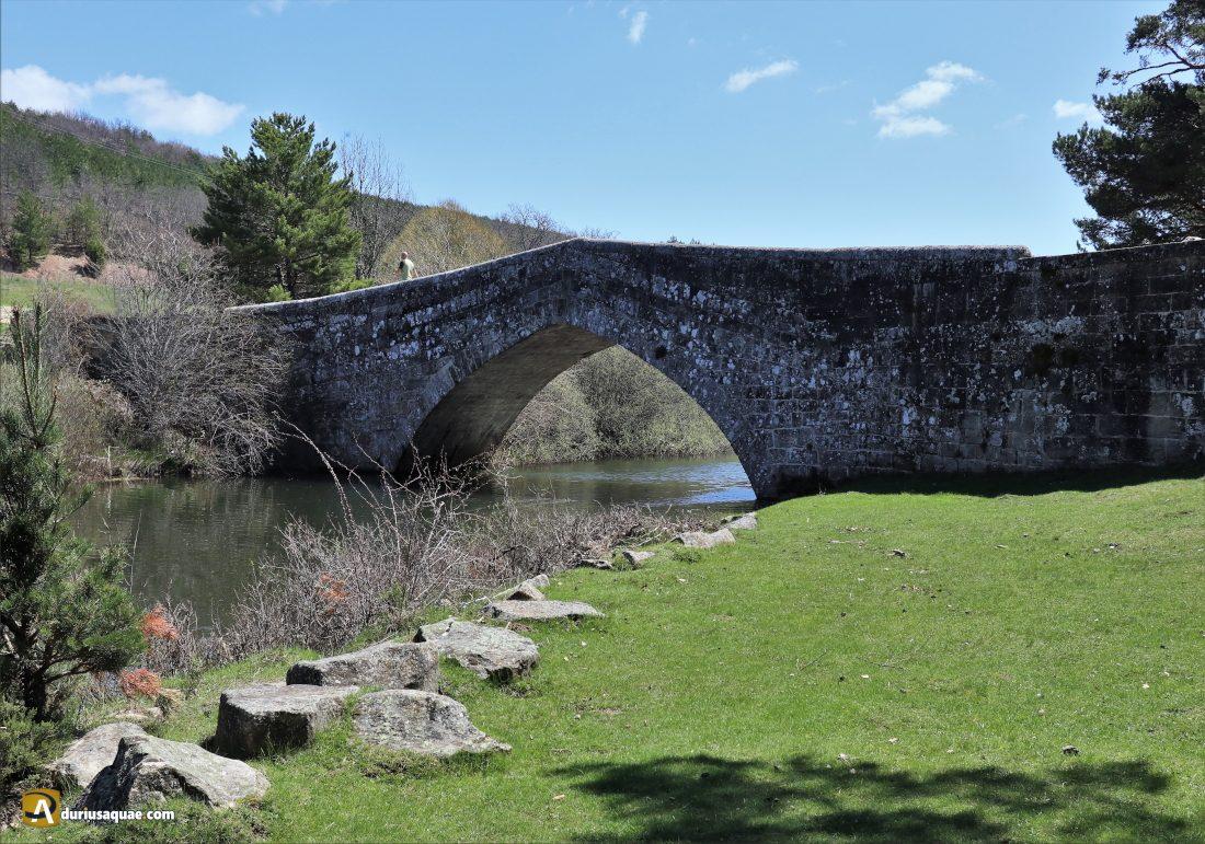 Covaleda: puente de Soria
