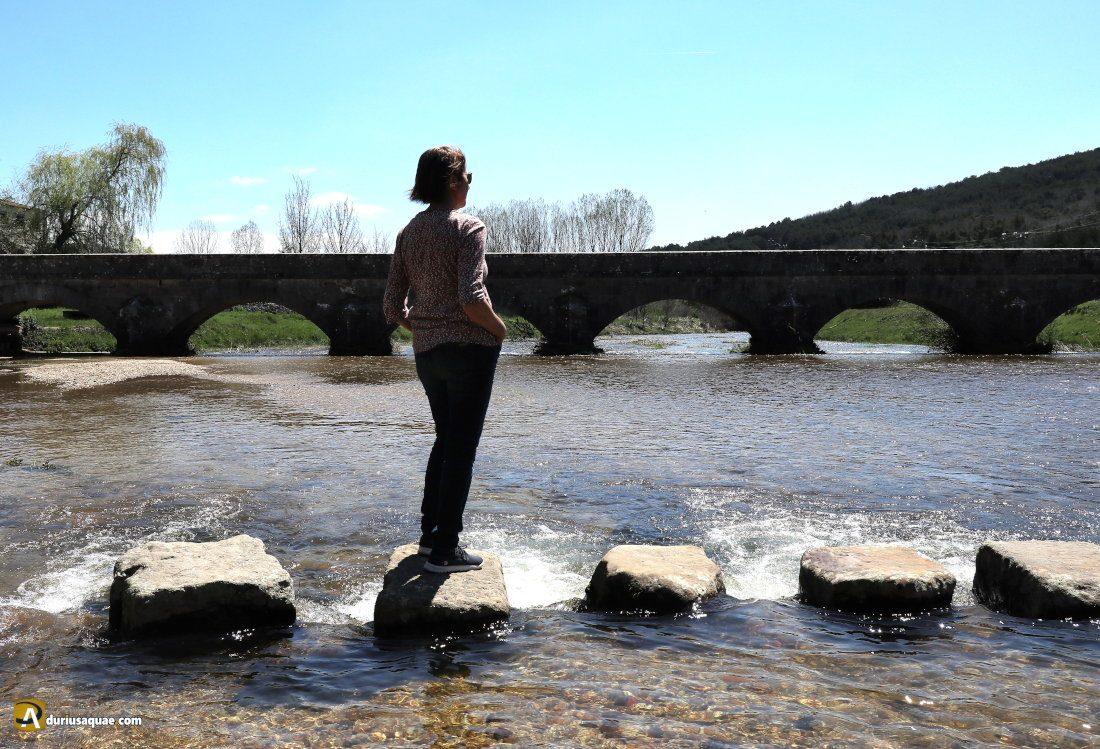 Durius Aquae: Puente y piedras pasaderas en Salduero