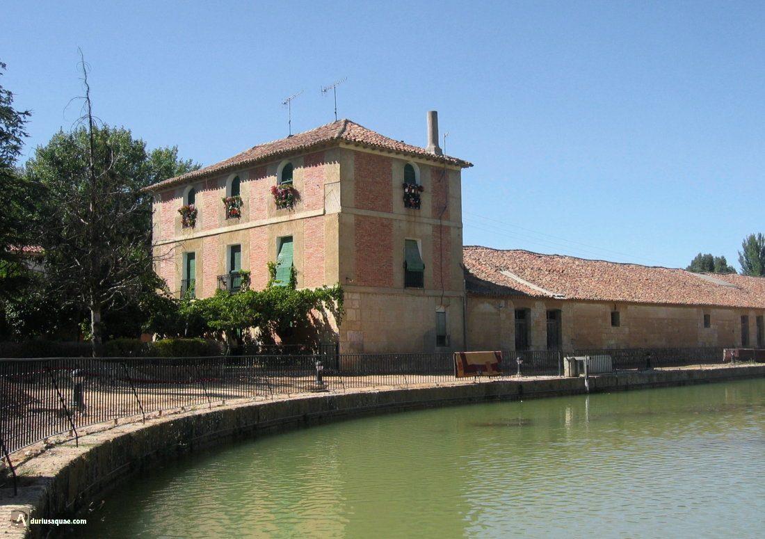 Durius Aqaue: Casas darsena Canal de Castilla