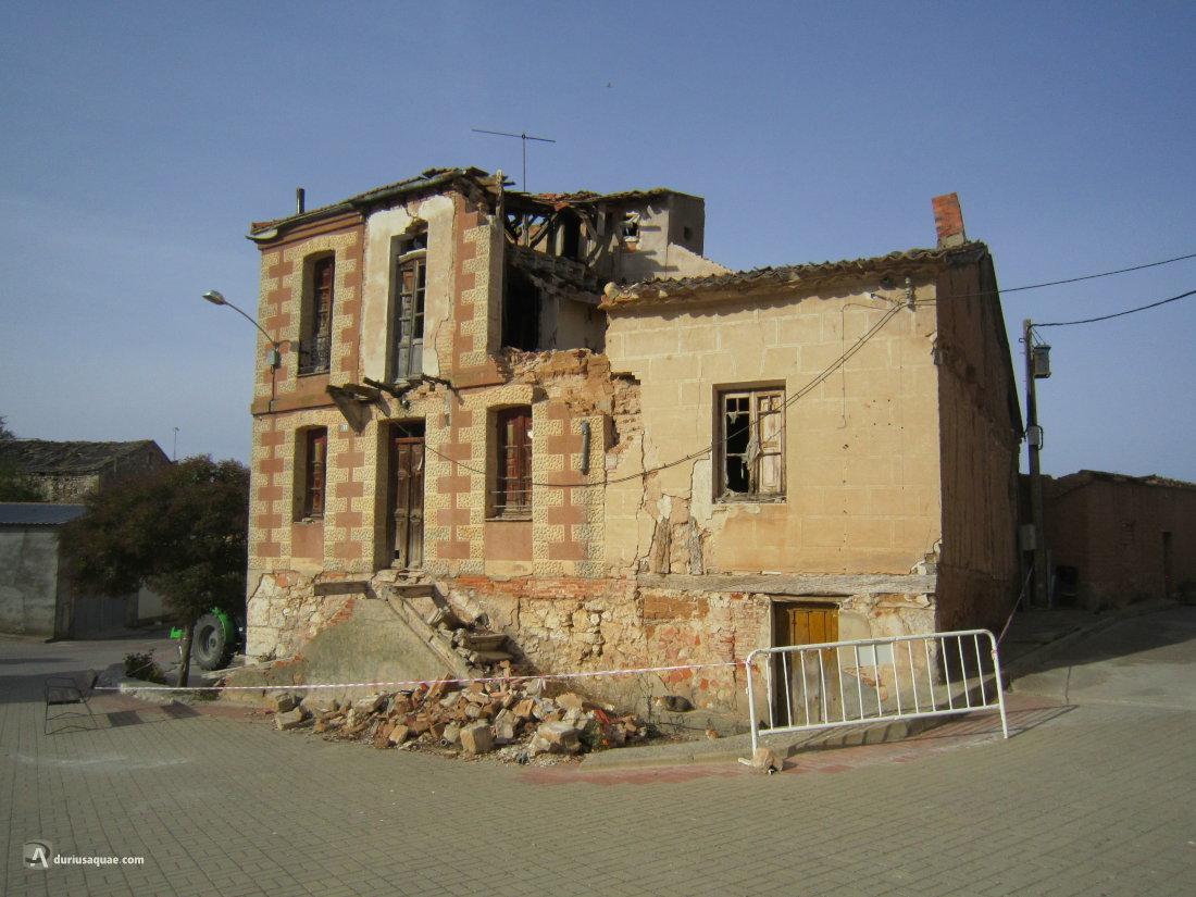 Roturas, casa en ruinas