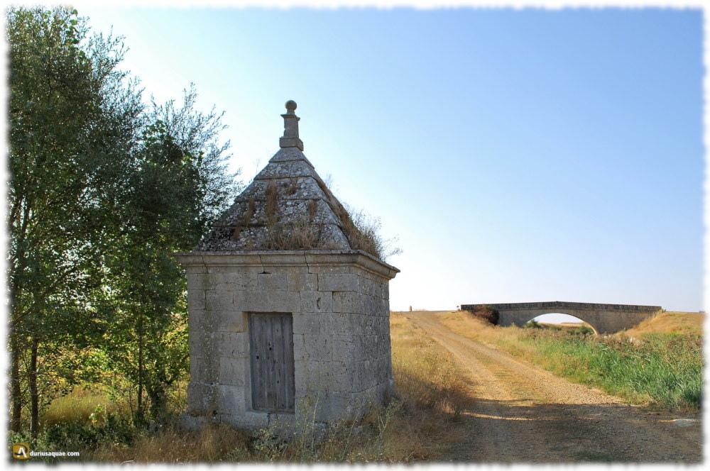 Canal de Castilla y el camino del barquero