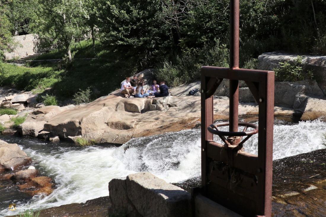 Aguas y sombras en Segovia