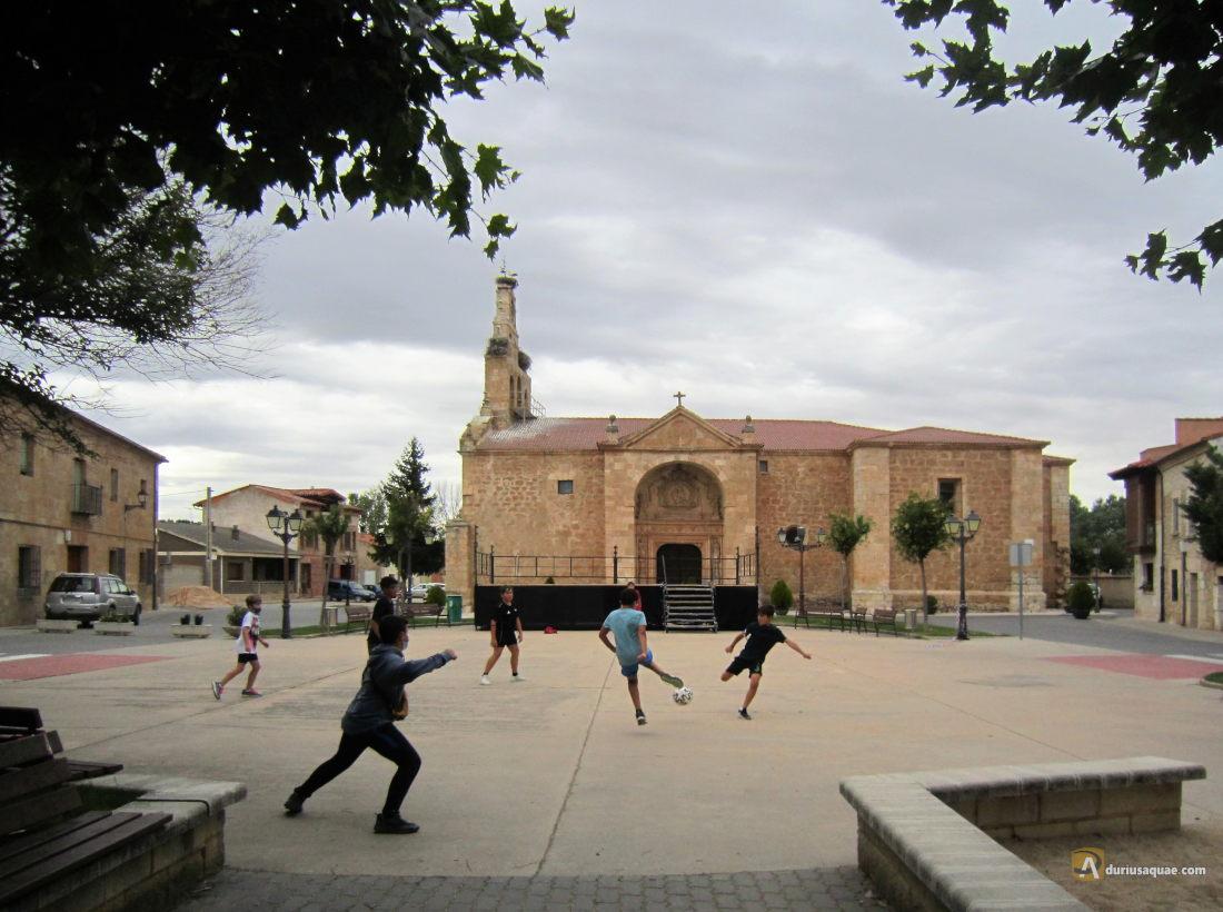 Partido de futbol en Fresnillo de las Dueñas